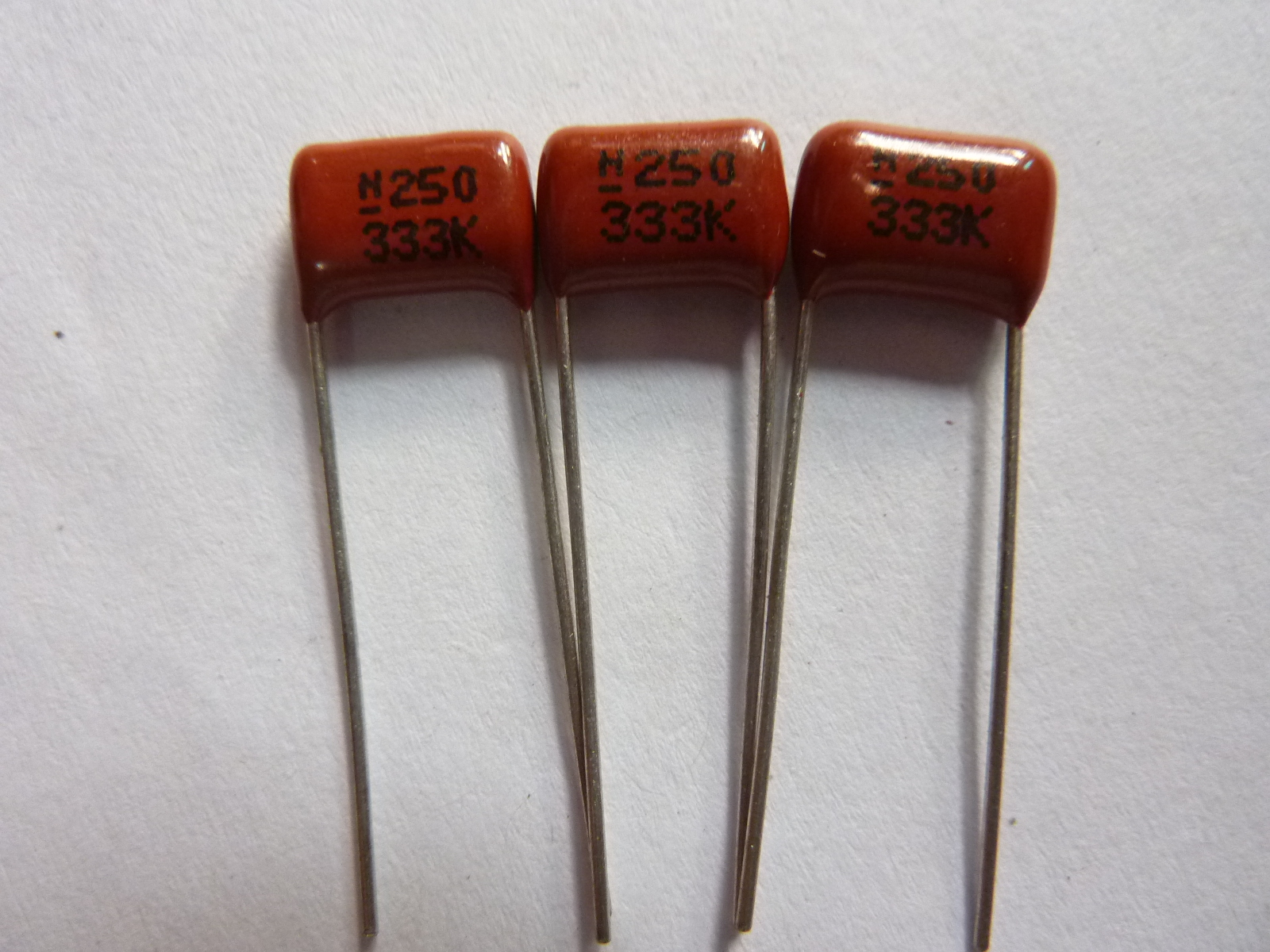 10pcs CBB Capacitor 333 250V 333K 0.033uF 33nF P8 CL21 Metallized Polypropylene Film Capacitor