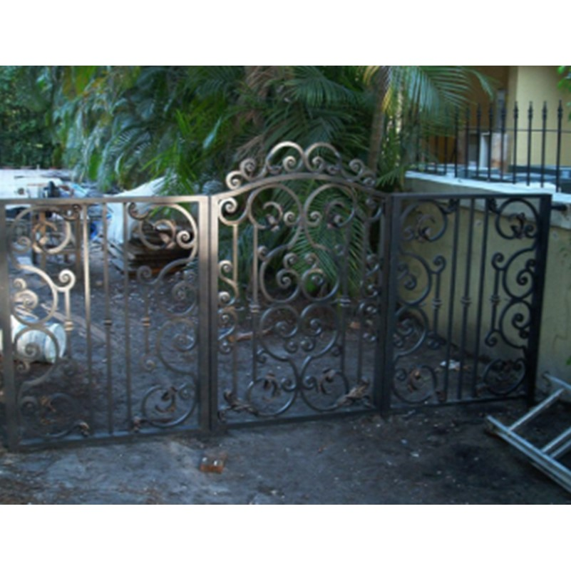 home fence design gates fence car parking gates iron gates fence gates gates s p killer spiders gates susan isbn 978 1409506928