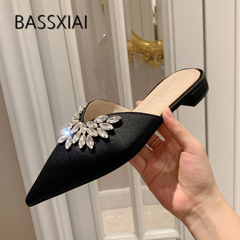 2019 Luxury Satin Slippers Woman Pointed Toe Rhinestone Crystal Flowers Bling Bling Flat Sandals Women Sexy