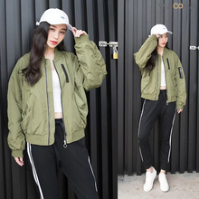 2016 spring Short Quilted Bomber Jacket Women Slim Casual Padded Baseball Coat Zip Outerwear Army Green Top Trendy Jacket