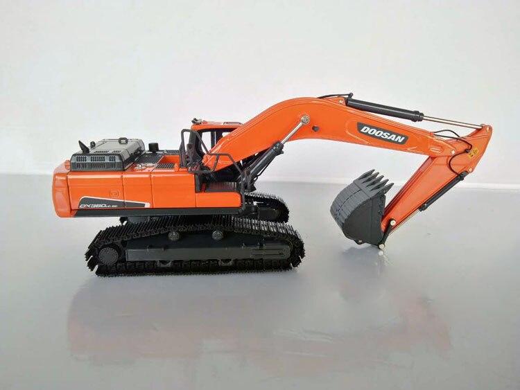 1 50 DOOSAN DX380LC 9C Excavator toy