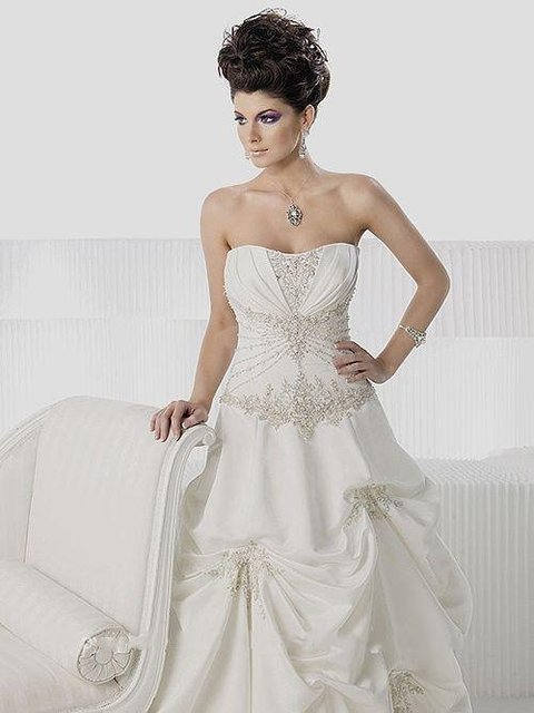 Romantic Private Label by G Bridal Gowns A Line/Princess Strapless ...