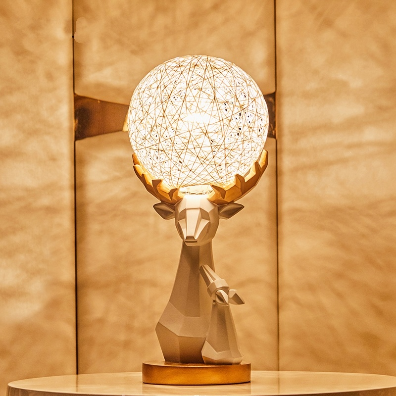 Creatieve Herten Cane Lamp Woonkamer Slaapkamer Bedlampje Home Decor Cane Decoratieve Lampen Lamparas De Mesa Para El Dormitorio