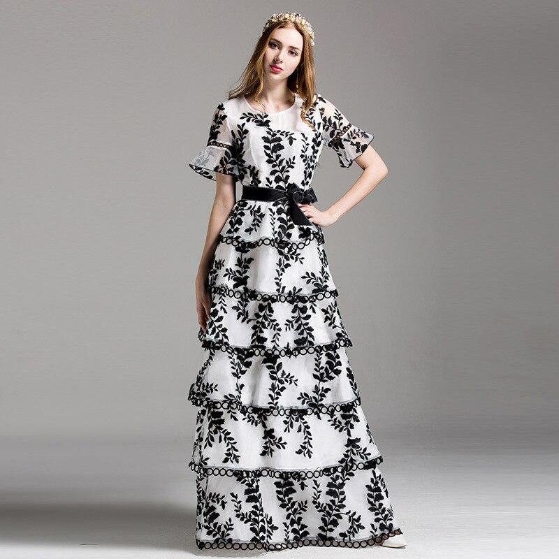 En cascade de Ruche De Mode Maxi Robe D'été 2017 New Vintage Flare Manches Floral De Luxe Blanc/Noir Broderie Longue Robe