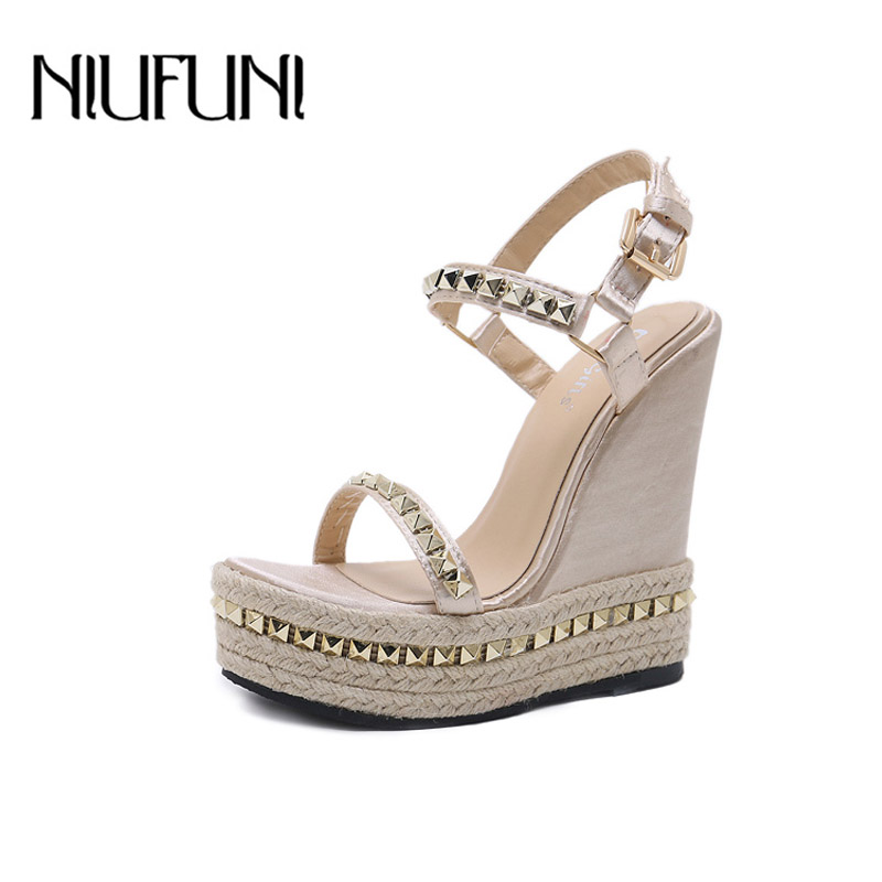 NIUFUNI Wedges Shoes Platform Sandals Rivet Ankle-Strap Gold Femme Summer Chaussures title=