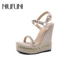 купить NIUFUNI Gold Ladies Sandals Platform Sandals Women Shoes Summer High Heels Shoes Ankle Strap Chaussures Femme Rivet Wedges Shoes по цене 1538.37 рублей