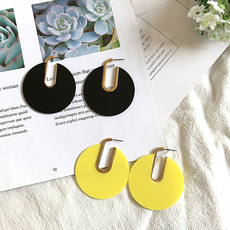 Geometric round hollow yellow alloy wild new color port wind exaggerated large temperament stud earrings