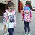 QYSZ Bom Esporte Jaquetas Meninas Casacos Crianças Impressão Ativo Ao Ar Livre Primavera/Outono Bebê da Menina Agradável Moda Jaqueta Esporte roupas