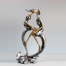 Kiss Couple Figurine Resin Handcarfts Lovers Statue Figurine Home Decoration Original Design Love Handicraft for Home Office