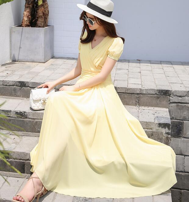 משלוח חינם צווארון V העמוק בסגנון קוריאני צבע טהור אישה קפלים מותן שרוול קצר שיפון ארוך שמלה