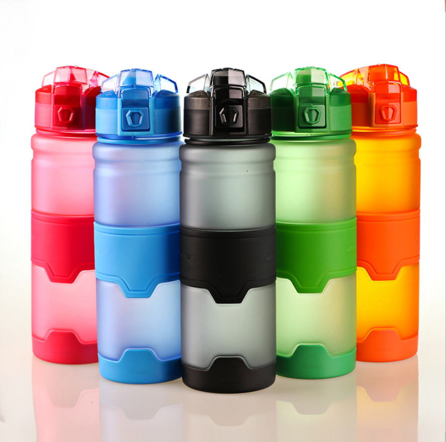LC 500ml 1L outdoor cycling plastic water bottle rubber finish tritan flask BPA free