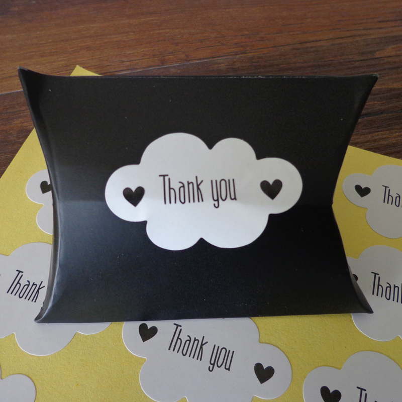 102pcs Cloud Shape Thank You White Seal Sticker, Self-adhesive For DIY Handmade Product Paper Label 4.6x3cm