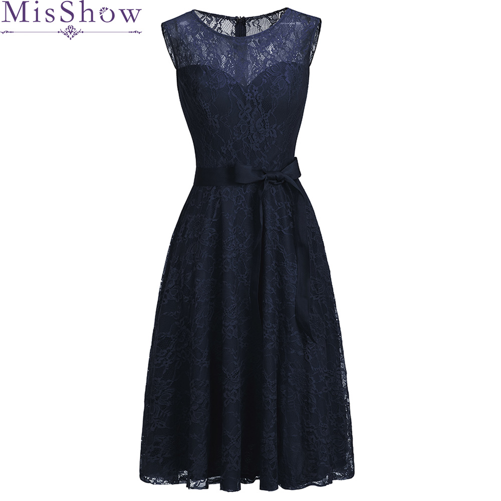 Short Mother Of The Bride Groom Lace Dresses Plus Size Sleeveless Lace Tulle Knee Length For Summer Wedding Party Gowns