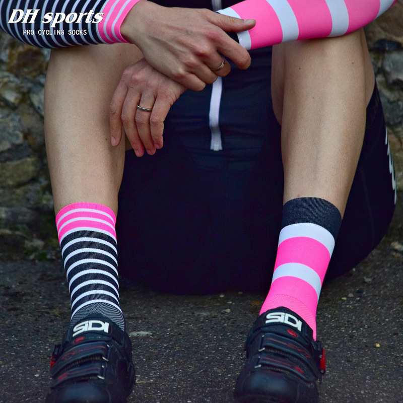 High Quality Professional Cycling Socks Breathable Road Bicycle Socks Outdoor Sports Racing Bike Compression Socks