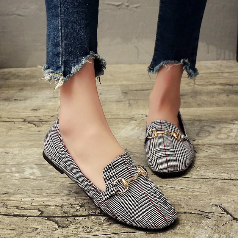 2019 Spring and Summer New Retro Women Flat Shoes Tartan Design Round Top Metal Button Flat Loafer Zapatillas Mujer Q1562019 Spring and Summer New Retro Women Flat Shoes Tartan Design Round Top Metal Button Flat Loafer Zapatillas Mujer Q156