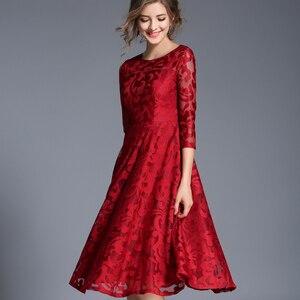 Image 4 - H han kraliçe sonbahar dantel elbise iş rahat ince moda o boyun seksi Hollow Out mavi kırmızı elbiseler kadın A line Vintage vestidos