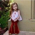 Новорожденных Девочек Наборы halters Топы + расклешенных брюках летние дети устанавливает Мода довольно одежда мака дети розовый Футболка наборы с брюки