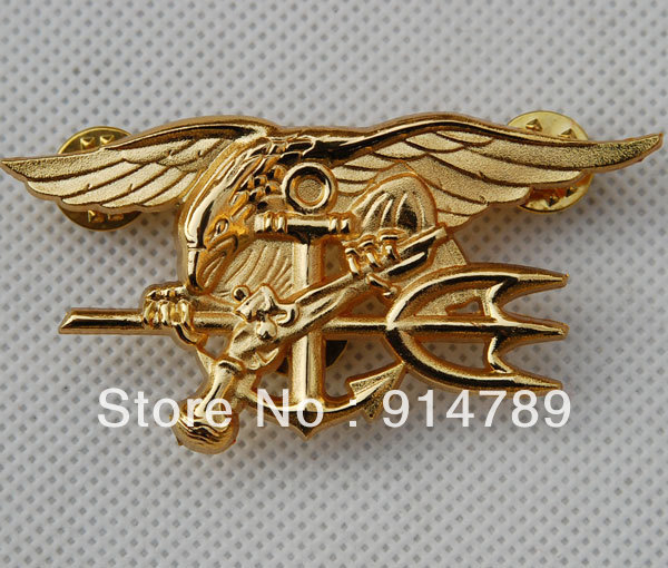US NAVY SEAL EAGLE ANCRE TRIDENT BADGE EN METAL INSIGNE OR -32442