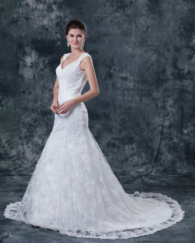 Свадебное платье с погонами