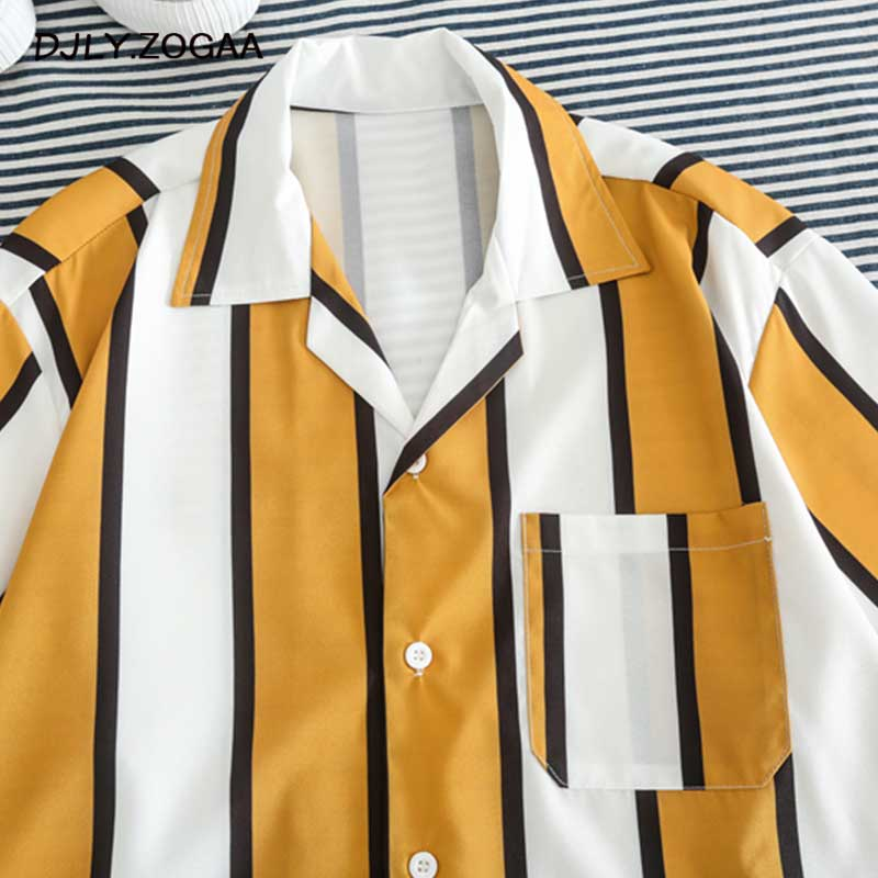 Zogaa 2019 Vertical Stripe Beach Men Shirt Streetwear Male Summer Casual Pocket Short Sleeve Shirts Men Fashion Turn-Down Shirt