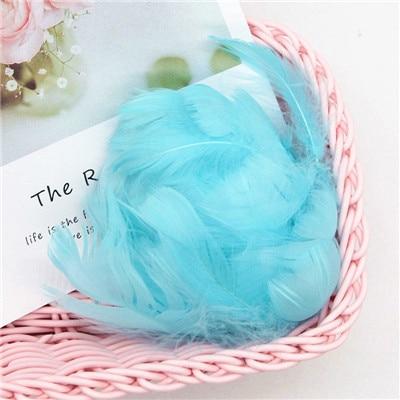 Разноцветные, 100 шт, гусиные перья, 8-12 см, гусиные перья, сценический шлейф, перья, промытый гусиный пух, пушистый шлейф для свадьбы, 3-4 дюйма - Цвет: light blue