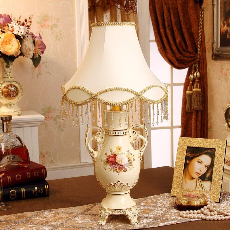 European-style Luxury Wedding Celebration Table Lamp Bedroom Living Room Lamp Bedside Lamp Study Ceramics Decoration Upscale Gif