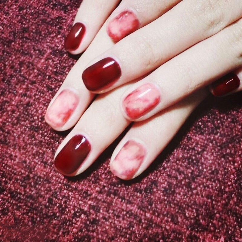 Elegant 24pcs/set Burgundy Ink wind style Color jump false nails Short size full nail tips Patch lady finger art tool bride
