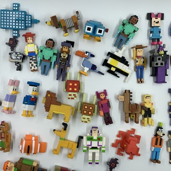 50pcs 4-7cm Shooty Skie Crossy Road online game pixel style cartoon stars animal human doll lightyear mouse duck фото