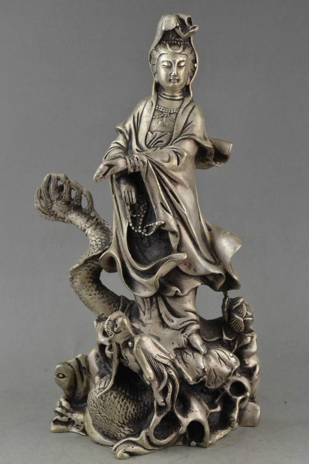 Collection of old China miao silver dragon carved guanyin bodhisattva buddha statue decoration metal handicraftCollection of old China miao silver dragon carved guanyin bodhisattva buddha statue decoration metal handicraft