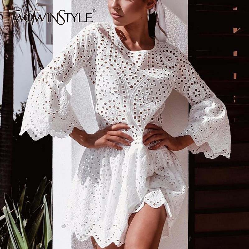 TWOTWINSTYLE Sexy Mini Lace Dresses Women Flare Sleeve Hollow out Beach Summer Dress Female Casual Clothes 2018 New Plus Sizes