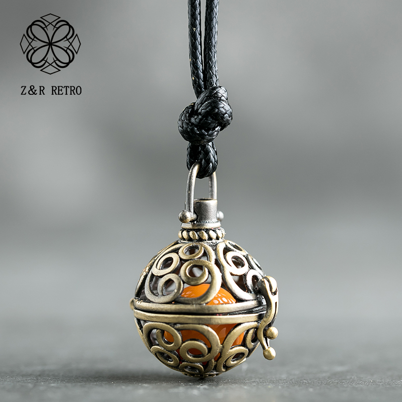 Vintage Necklace Hollow Ball with Open Beads Cage Locket Essential Oil Aroma Diffuser Pendant Necklace Jewelry Accessories