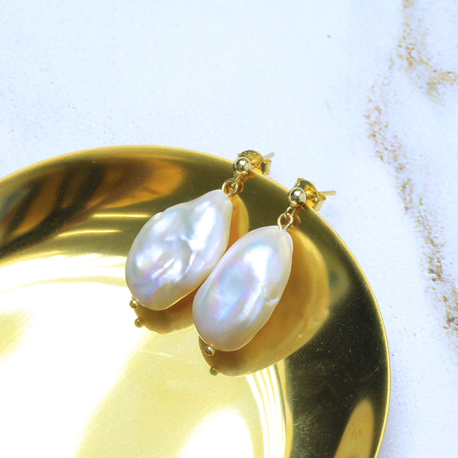 цена на natural White ear pendant while natural freshwater Baroque shaped pearl minimalist hollow earring earrings Woman's Jewellery