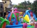 Ciudad inflable de la diversión para los niños