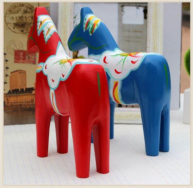 2 piezas sueco caballo rojo madera artesanías boda decoración del hogar artesanías da Trojan caballo conjunto nórdico madera artesanías mano de madera -pintado ornamento