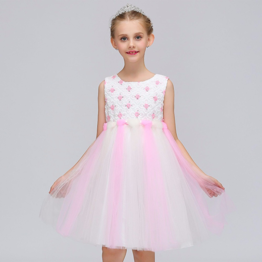 2018 Lace Long Sleeves   Flower     Girl     Dresses   for Weddings Vintage Child Pageant   Dresses   For Little   Girls   Holy Communion Gown