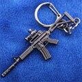 Rifles de Assalto M4A1 CF Personalizado KeychainMilitary Liga Modelo de Arma Chaveiro 6 CM