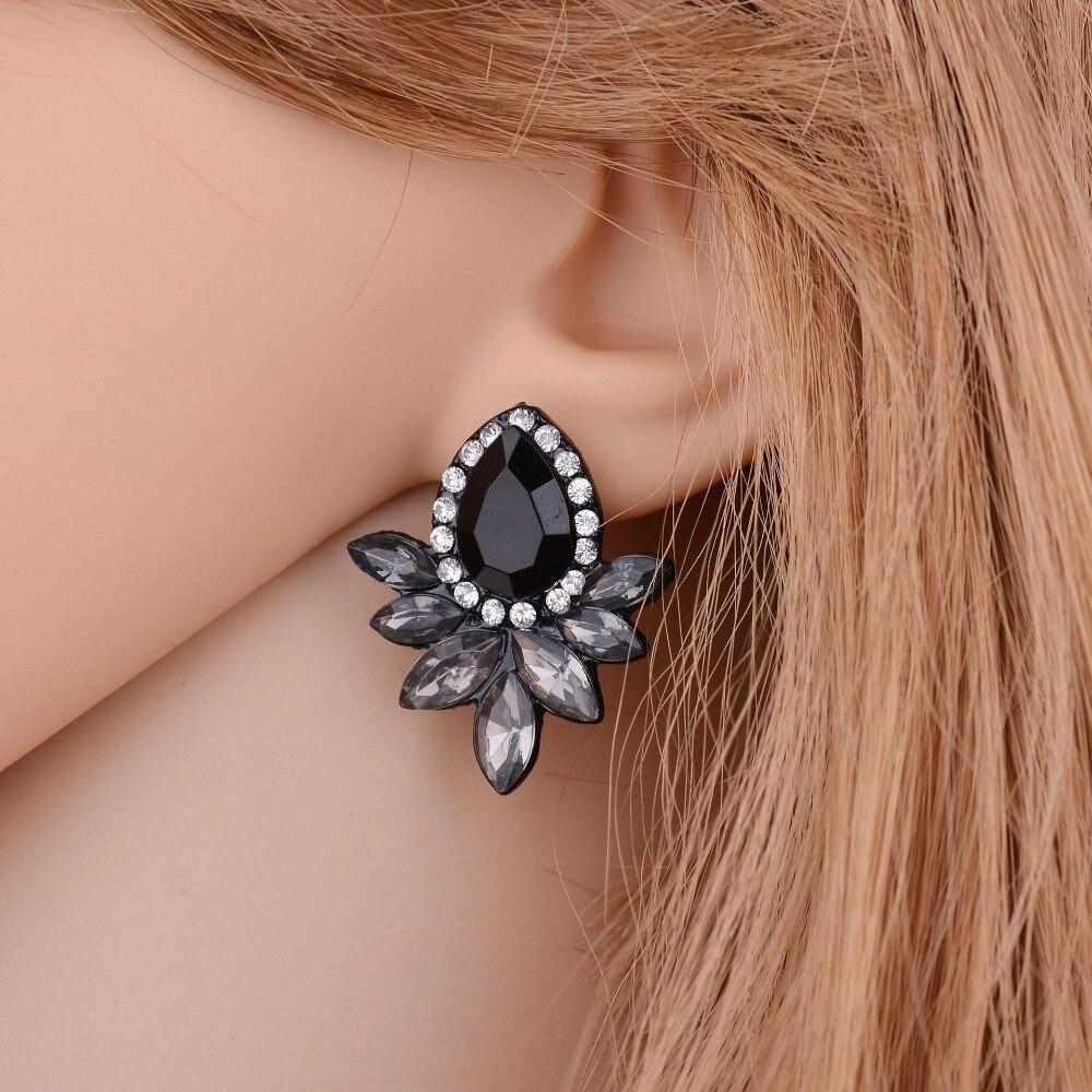 water drop crystal angel wings pattern design Fashion noble Black Crystal OL temperament Stud Earring Women