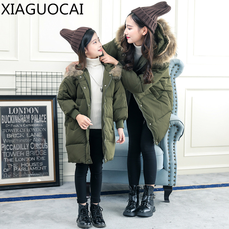 цена 2018 Winter Family Matching Outfits Mother And Daughter Duck Down Coats Solid color warm thickening Women Girls clothes A66 27