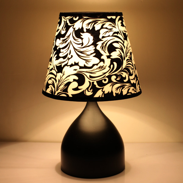 Special offer Table Lamps the modern garden style creative living room bedroom bedside lamp Home Furnishing wedding LU726262 living room bedroom bedside table lamp american style simple style lighting modern garden lamps ta9136