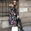 Mujeres Chaqueta de invierno 2016 Para Mujer Chaquetas de Down Con Gran Flor de La Impresión Delgada Cintura Natural Mapache Cuello de piel de Down Parka Abrigos