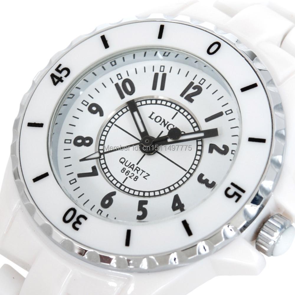 Prix pour Luxe Blanc En Céramique Résistant À L'eau Classique Facile Lire Sport Femmes Montre-Bracelet, Livraison Gratuite Top Qualité Dame En Céramique montres