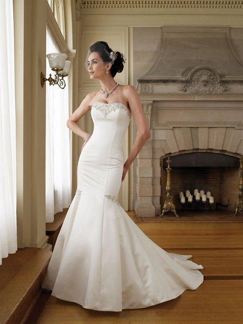 Amazing wedding dresses Empire  Sleeveless new style 2012 bridal dress