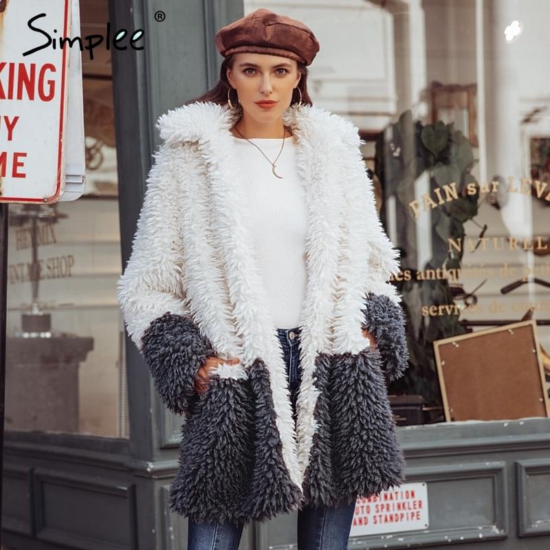 Simplee пушистого искусственного меха двухфактурная кофта женщин 2018 Большие размеры элегантная теплая плюшевая одежда длинное пальто Зимние ...