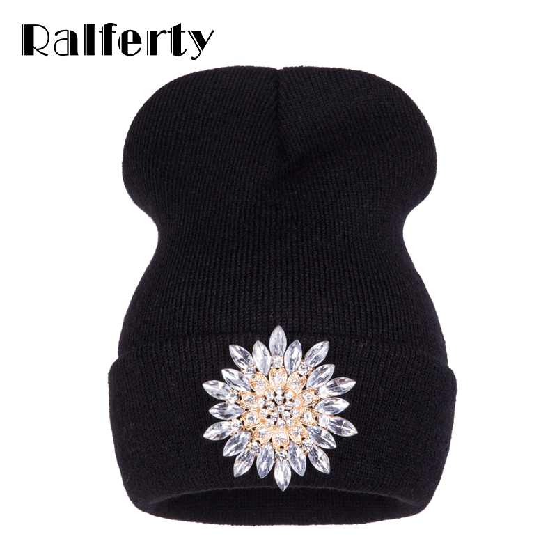 Ralferty 2019 Winter Hats For Women Knitted Luxury Flower Crystal Beanies Hat Female Skullies Caps Black Streetwear Gorras Gorro