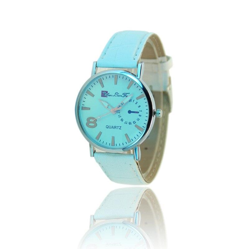 Free shipping 2017 Geneva high-end <font><b>Blu-ray</b></font> glass three-pin black and white men and women <font><b>living</b></font> waterproof wristwatch W441