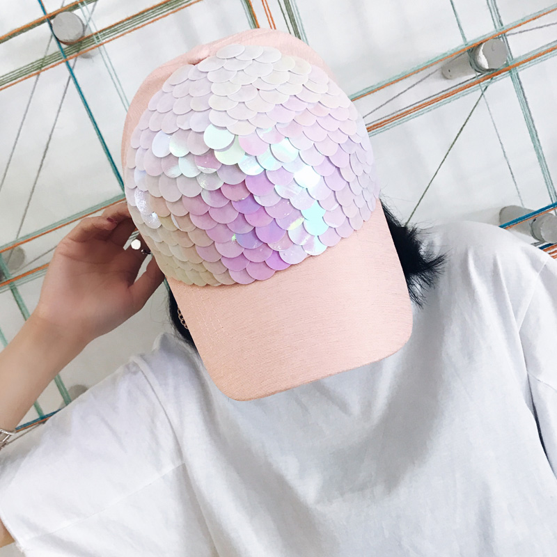 2018 summer Baseball Cap Women Pink Fish-Scale Sequins Caps Casual Snapback Hat For Girl Cap Gorras Bone Hip Hop Summer Female gold embroidery crown baseball cap women summer cap snapback caps for women men lady s cotton hat bone summer ht51193 35