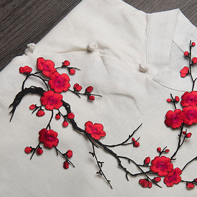 4 Colors Plum Blossom Flower Embroidery Patch Fabric Sticker Applique Clothing Iron On Sew On Patch Craft Sewing Repair