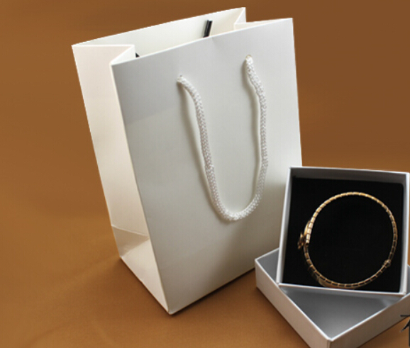 High-grade All White Jewelry Jewelry Packaging Bag Accessories Boxed One Set Factory Direct Sale