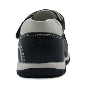 Image 4 - Apakowa Sandalias de cuero genuino para niños pequeños, zapatos planos para niños, de Punta cerrada, deportivas para playa, Eur 26 31