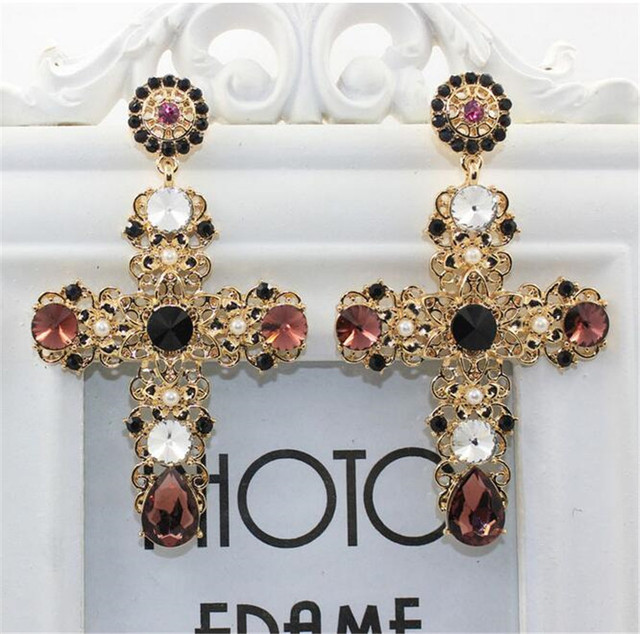 2017 New Arrival Baroque Gold Cross Drop Earrings Vintage Pearl Catwalk Party Crystal Jewelry For